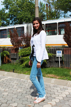 Street Fashion by Unica.ro - Geanina