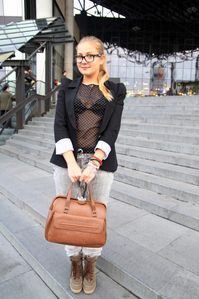 Street Fashion by Unica.ro - Carla