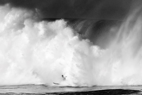 Cele mai spectaculoase valuri surprinse în fotografii