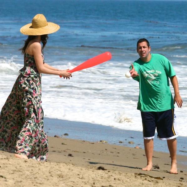 Cupluri celebre la plajă: 4 idei de distracţie cu iubitul