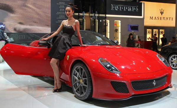 5 maşini potrivite pentru femeile care iubesc viteza