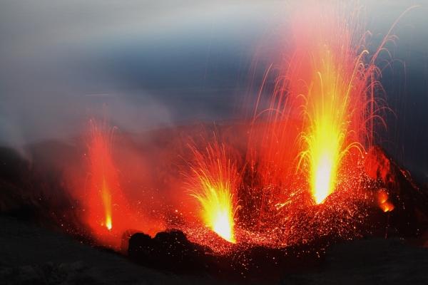 Foto: cei mai spectaculoşi vulcani din lume