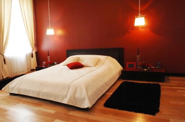 Cum aduci romantismul în dormitor. 4 idei de design