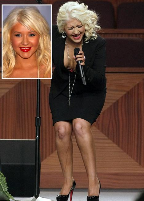 Christina Aguilera cu dungi de autobronzant