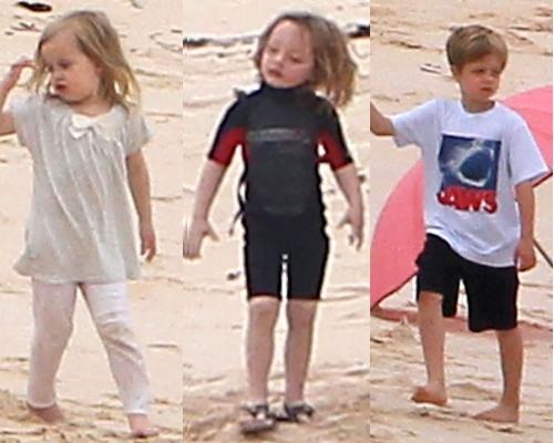 Foto: Angelina Jolie şi Brad Pitt, vacanţă cu copiii în Galapagos