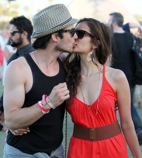 5 cupluri de vedete. Votează cel mai fierbinte sărut!