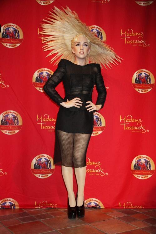 Poze: 7 ţinute care-o definesc perfect pe Lady Gaga