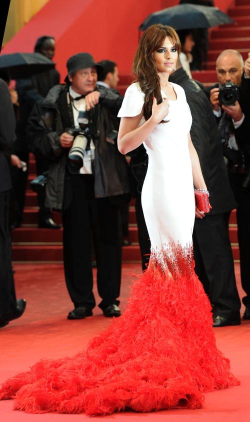 Cannes 2012: Cheryl Cole, absolut fermecătoare pe covorul roşu. Wow!