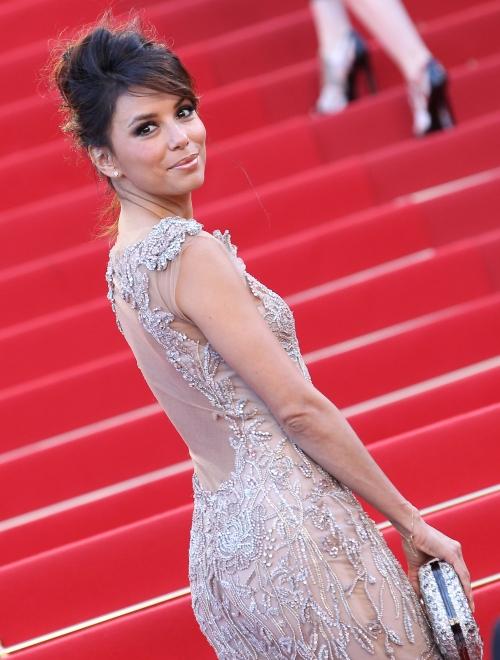 Cannes 2012: Eva Longoria, splendidă într-o rochie cu trenă