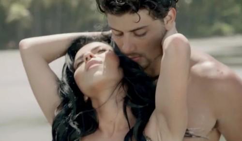 """Inna, fierbinte în noul videoclip pentru piesa """"Caliente"""""""