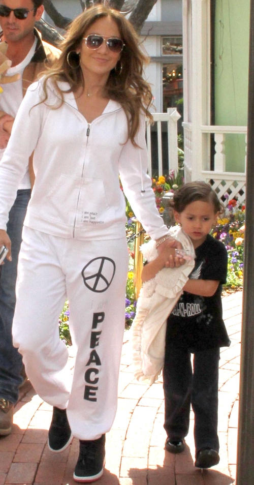 Nemachiată şi insipidă: pozele pe care Jennifer Lopez nu ar vrea să le vezi!