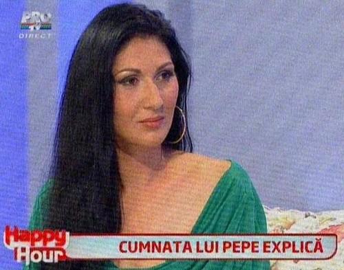 """Isterie TV: Cu scandalul în braţe, s-au trezit """"vedete"""" peste noapte"""