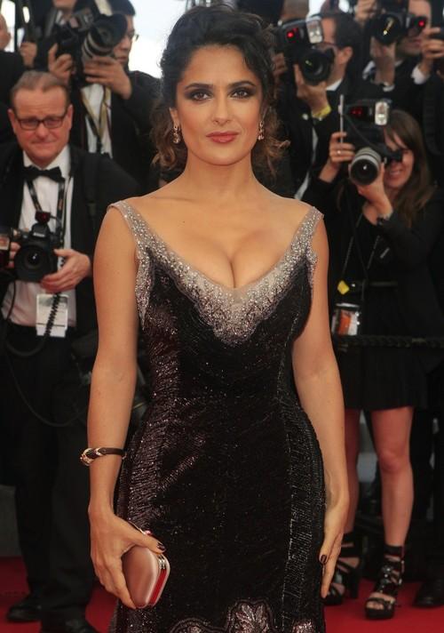 Cannes 2012: Oau! Un decolteu apetisant într-o rochie hidoasă. Află despre cine e vorba!