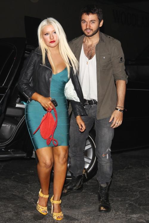 Foto: Christina Aguilera a slăbit! Uite ce sexy e într-o rochie mulată!