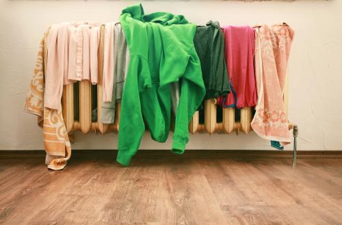 Relaţii: 5 lucruri din dormitorul tău care îl scot din sărite