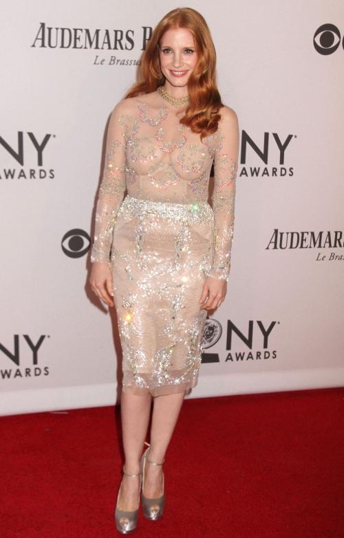 Sexy! Jessica Chastain, într-o rochie foarte transparentă la Tony Awards