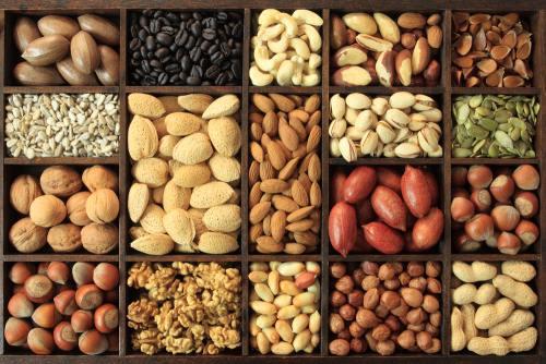 Dietă: Ce să mănânci ca să scapi de acnee