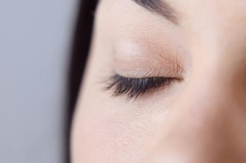 Secrete: Căderea părului şi alte semnale de la corpul tău
