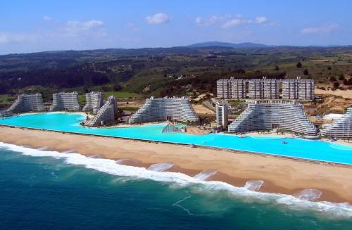 Top 5 piscine superbe în locuri incredibile