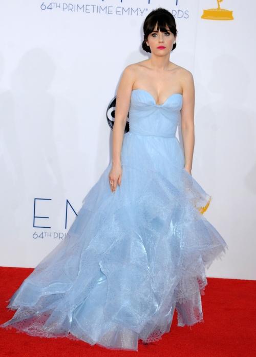 Premiile Emmy 2012: Spectacol vestimentar pe covorul roşu. Top 10 rochii superbe!