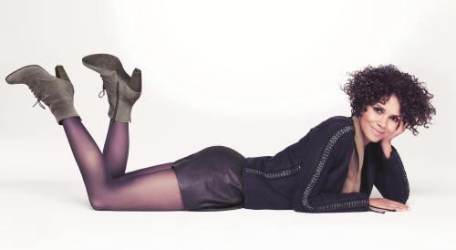 Wow! Ce picioare are Halle Berry la 46 de ani!