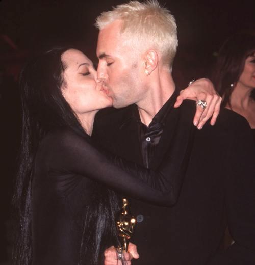 Poze: Cele mai scandaloase săruturi de la Hollywood