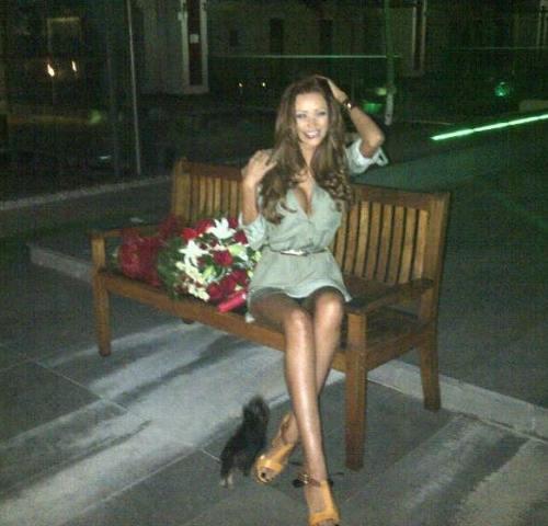 Mister: Bianca Drăguşanu a primit flori. Oare cine le-a trimis, Cristea sau Olăroiu?