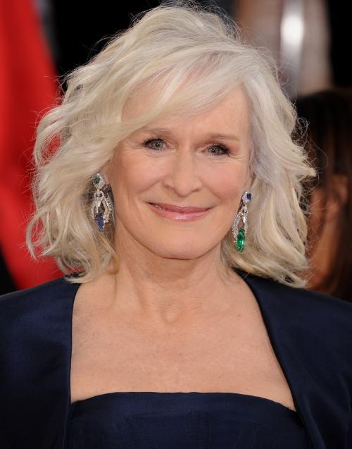 Wow! Are 66 şi ani şi arată superb. Ghiceşte vedeta