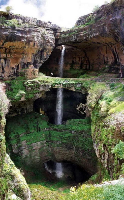 Destinaţii: Top 4 cascade superbe din lume