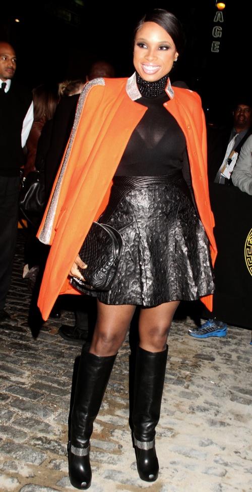 Tendinţe iarnă 2013: Paltonul colorat, alegerea femeilor stilate! Îţi place?