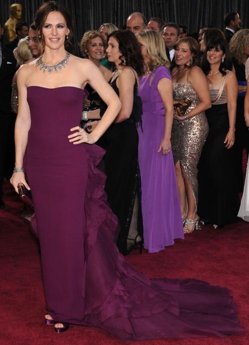 Gala Oscar 2013: Top 12 cele mai frumoase rochii de pe covorul roşu