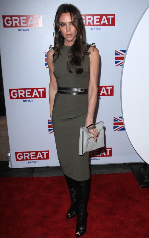 Îmbracă-te simplu şi stilat ca Victoria Beckham!