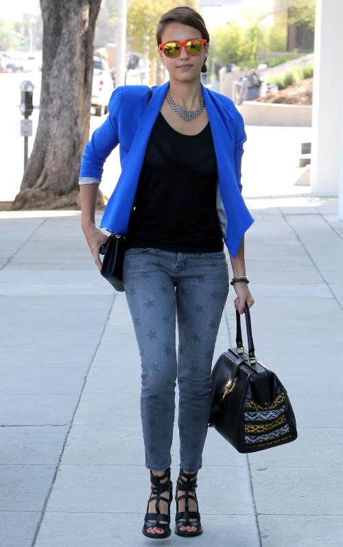 Recomandare primăvară 2013: Poartă sacou colorat! Uite cum să îl combini!