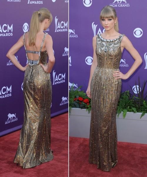 Foto: Taylor Swift, superbă în auriu pe covorul roşu. Îţi place rochia ei?