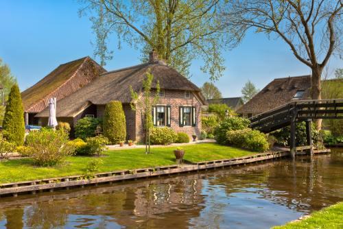 Destinaţii: Top 4 oraşe-lagună din Europa absolut superbe. Trebuie să le vezi