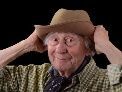 Şocant: Top 3 bătrâni nebuni. Pensionari care sar cu paraşuta