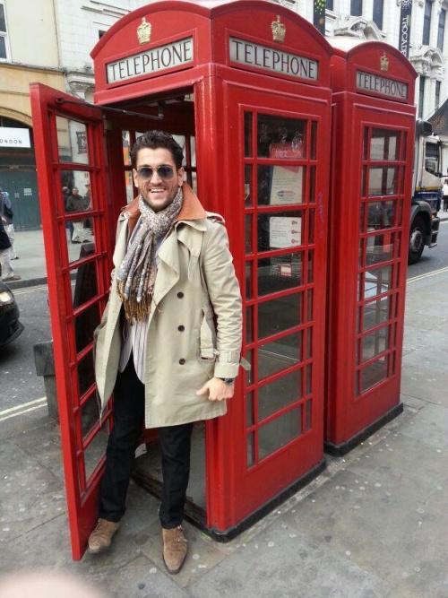 Stil de vedetă: uite ce sexy e Cezar Ouatu, reprezentantul României la Eurovision!