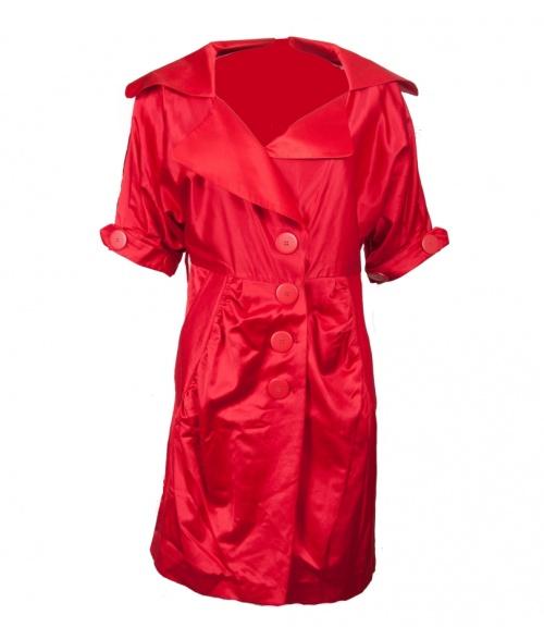 Modă 2013: Vrei să ştii care e piesa vestimentară cheie a verii? Trench-ul metalizat purtat ca rochie!