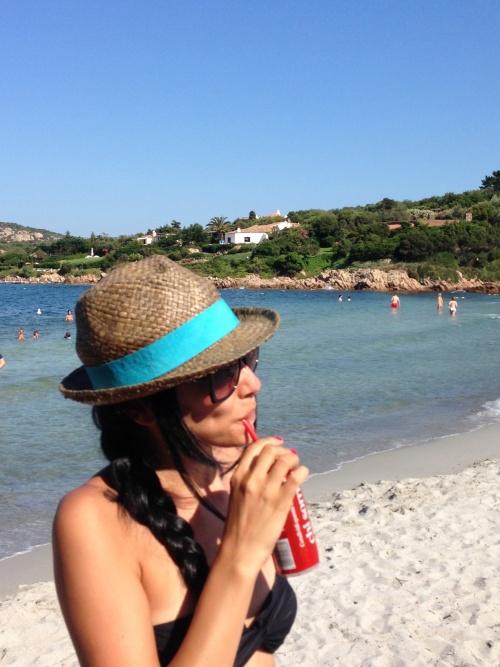 POZE: Corina Caragea, vacanţă de vis în Sardinia. Uite cum s-a distrat bruneta!