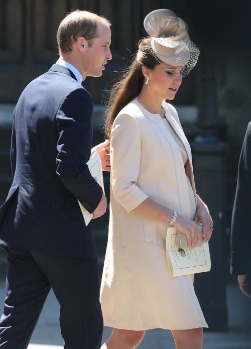 Saturnia: Ce-l aşteaptă pe bebeluşul regal. Vezi ce fel de rege va fi fiul lui Kate şi William