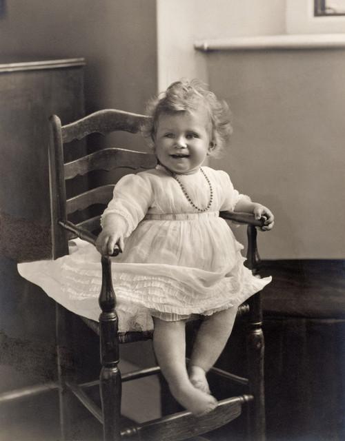 Foto: Bebeluşii regali de-a lungul timpului. Vezi cele mai frumoase imagini!