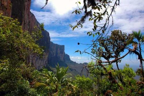 Destinaţii turistice de legendă. Vezi ce mituri te cheamă în călătorie