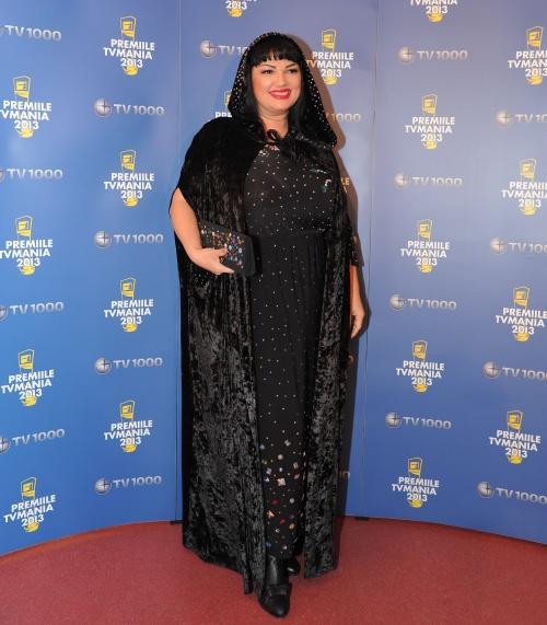 Ozana Barabancea, ţinută excentrică la Premiile TV Mania