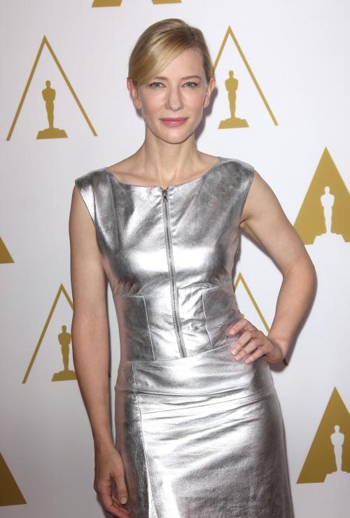 Amy Adams şi Cate Blanchett, superbe în ţinute extravagante