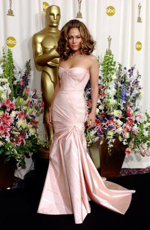 Cum a evoluat stilul lui Jennifer Lopez. Vezi ce greşeli a făcut de-a lungul timpului!