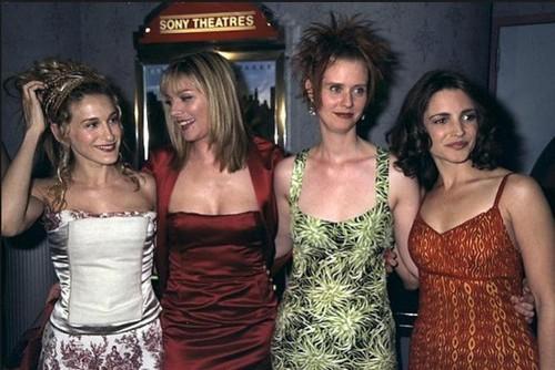 """Îţi mai aminteşti cum arătau actriţele din """"Totul despre sex"""" la începuturi, în urmă cu 16 ani?"""