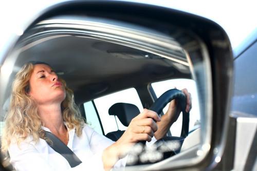 O tânără a picat de 110 ori examenul pentru permisul de conducere
