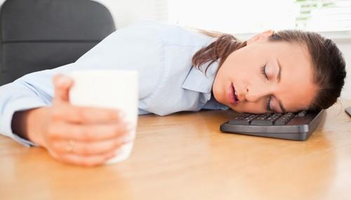 Cum să ai un somn liniştit pe caniculă