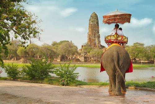 Destinaţii exotice din Asia unde trebuie să mergi singură