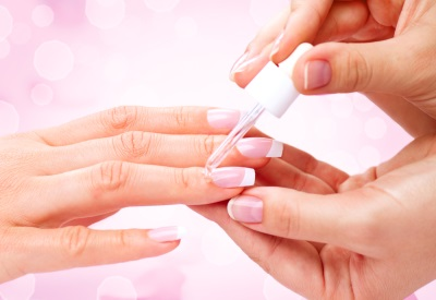 Ulei de ricin pentru unghii